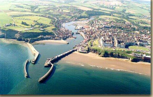 The River Esk splits Whitby into two with the East and West side of the town