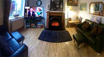 Endeavour Whitby Holiday Cottage sleeps six people only two minutes stroll from the harbour