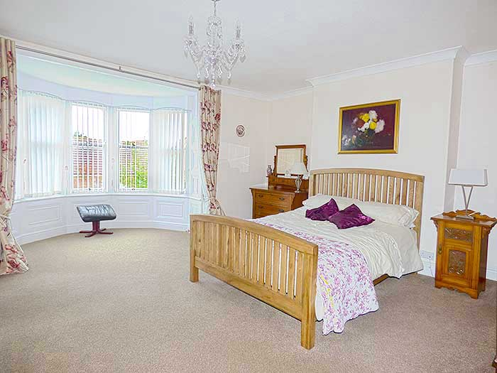 Whitby manor house grade 2 listed sleeps 6 in 3 bedrooms The master bedroom whitby