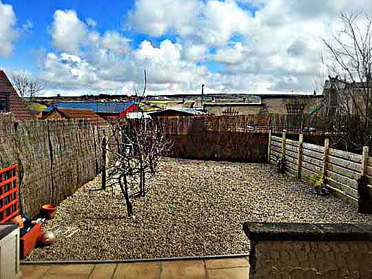Hide Away apartment near Whitby back garden with views over the moors