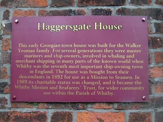 Haggersgate House ia plaque explaining the history of the building and its connections with the Yoaman family famous in Whitby